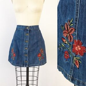 Embroidered Denim Mini Skirt Button Front XL V949